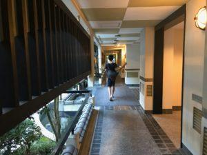 石畳の廊下